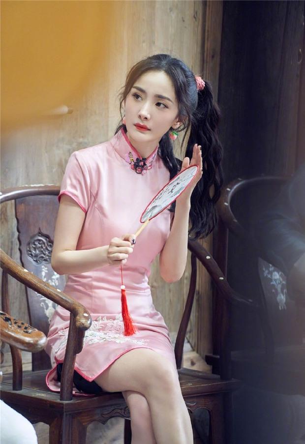 Dương Mịch khoe nhan sắc cực xinh đẹp, hút hồn cả làng game khi tham gia giải đấu Liên Quân Mobile bản Trung - Ảnh 3.