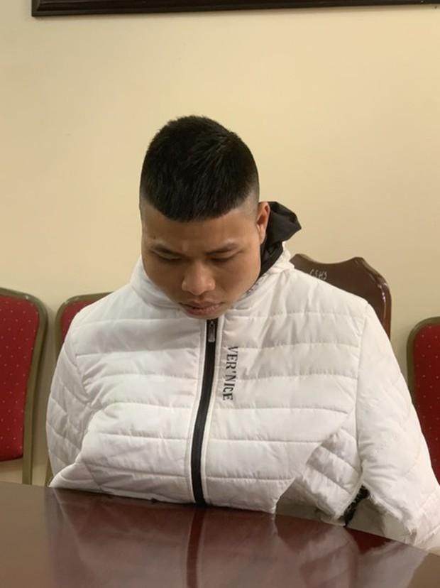 Vụ nữ sinh bị giam giữ, hiếp dâm trong thang bộ chung cư: Hung thủ bị bố ruột từ mặt, thường lưu ảnh nhạy cảm trong điện thoại - Ảnh 1.