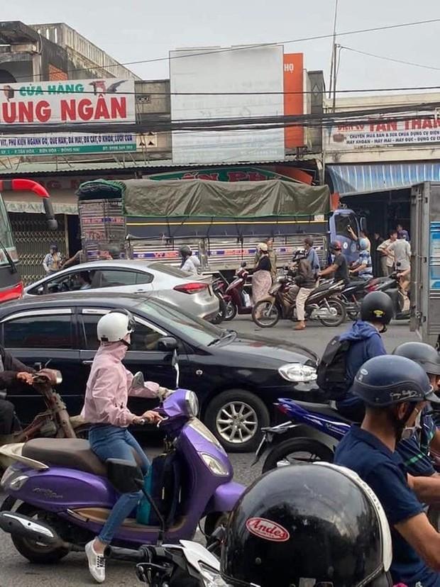 CLIP: Tai nạn kinh hoàng ở Biên Hòa, người và xe nằm la liệt - Ảnh 10.
