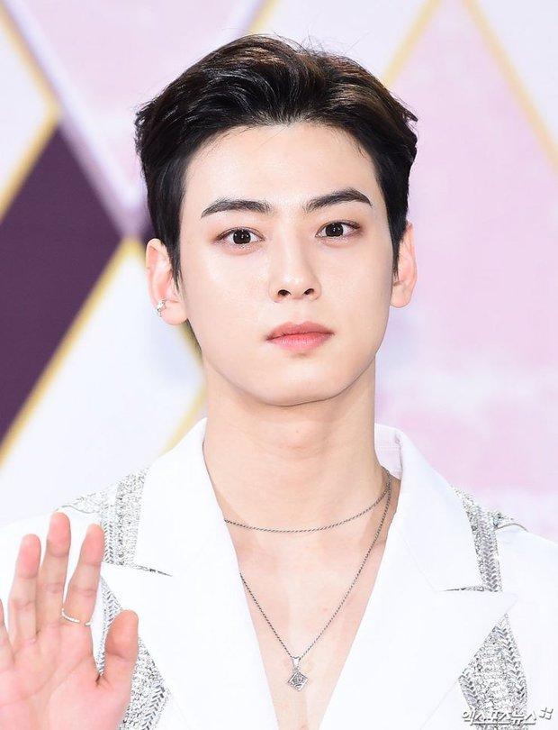 6 cực phẩm mỹ nam tuổi Sửu của màn ảnh Hàn: Ai cũng đẹp nhức nách, thích thiên tài hay siêu giàu đều có - Ảnh 10.