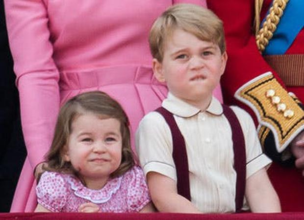"""Những khoảnh khắc """"cưng xỉu"""" của các em bé Hoàng tộc khắp thế giới, mang danh Hoàng tử Công chúa thì vẫn là trẻ nhỏ vô tư và cực lầy - Ảnh 5."""