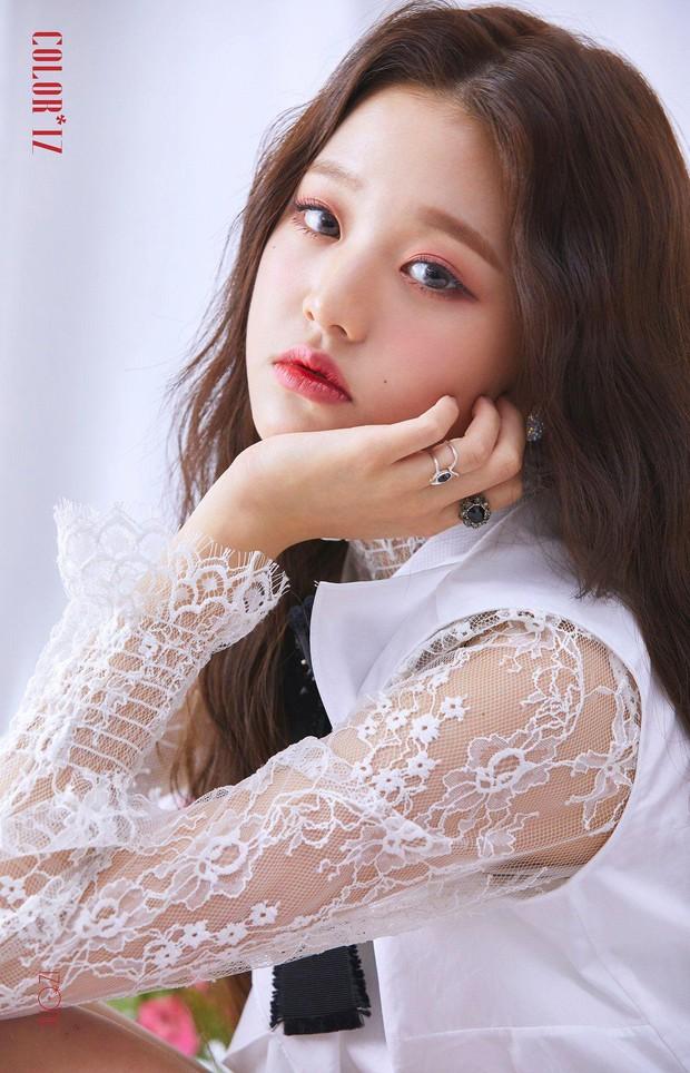 """4 nữ idol sinh năm 2004 bỗng nổi như cồn vì quá xinh đẹp: Người thành """"thánh body"""", người được so với """"tóc mái tiền tỷ"""" của Lisa - Ảnh 3."""