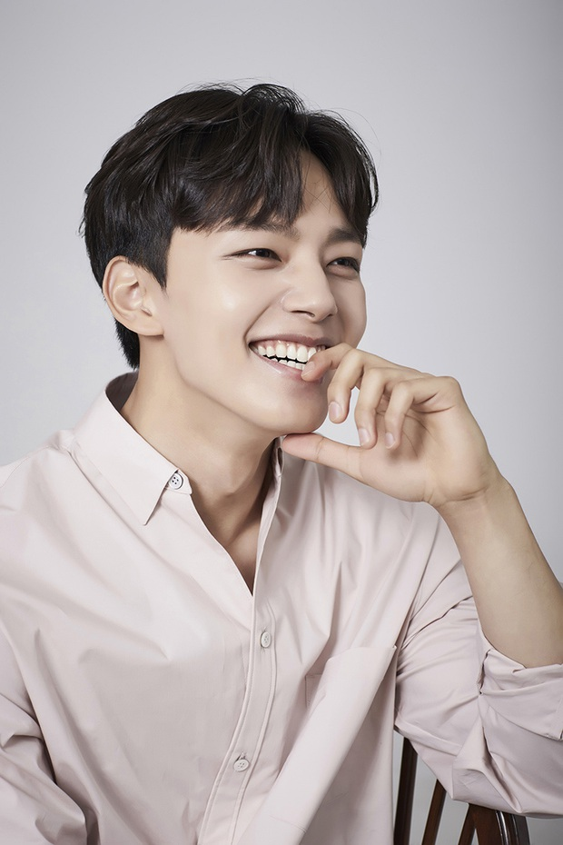 6 cực phẩm mỹ nam tuổi Sửu của màn ảnh Hàn: Ai cũng đẹp nhức nách, thích thiên tài hay siêu giàu đều có - Ảnh 7.