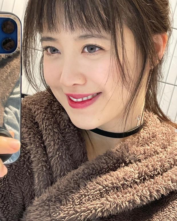 Goo Hye Sun đăng ảnh selfie đẹp hút hồn, tiết lộ bí quyết giảm cân nhanh nhưng bị ném đá vì phản khoa học - Ảnh 2.