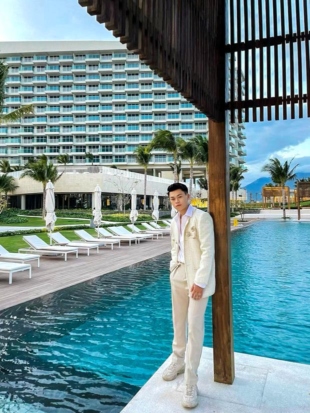 Công ty người ta chưa từng làm tôi thất vọng: Sắm đồ hiệu bạc triệu - nghỉ dưỡng ở resort 5 sao chụp ảnh sống ảo thấy mà ham! - Ảnh 17.