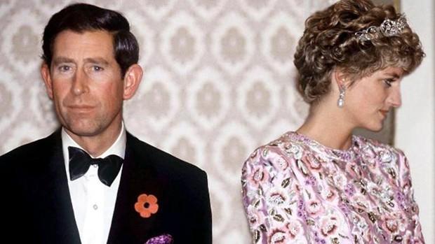 Sự thật về cuộc hôn nhân của Công nương Diana: Thực chất cũng từng vô cùng ngọt ngào lãng mạn khác hẳn suy nghĩ của nhiều người - Ảnh 1.
