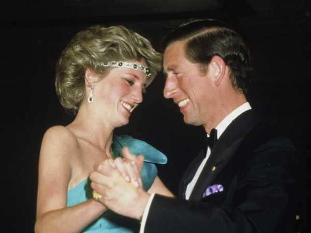 Sự thật về cuộc hôn nhân của Công nương Diana: Thực chất cũng từng vô cùng ngọt ngào lãng mạn khác hẳn suy nghĩ của nhiều người - Ảnh 2.