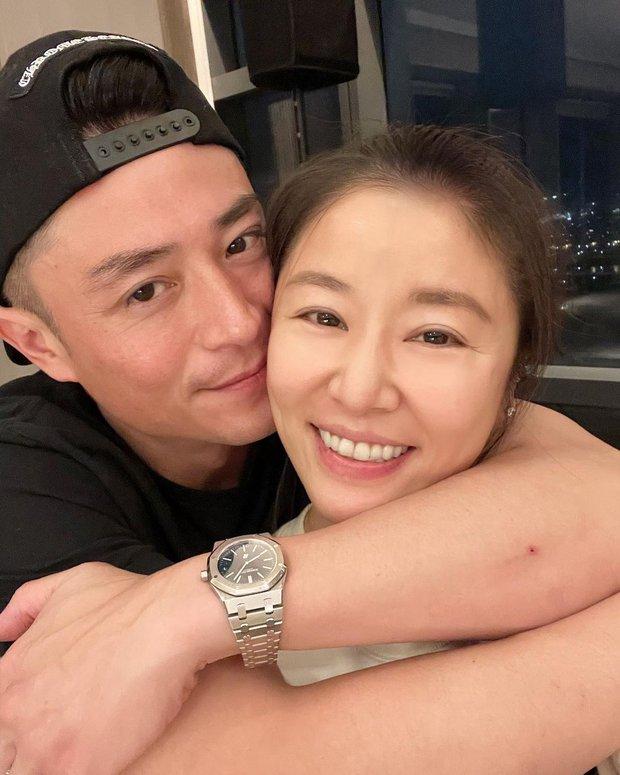 Lâm Tâm Như đón sinh nhật không thể hạnh phúc hơn: Được ông xã chu đáo tổ chức, lại còn selfie tình bể bình - Ảnh 2.