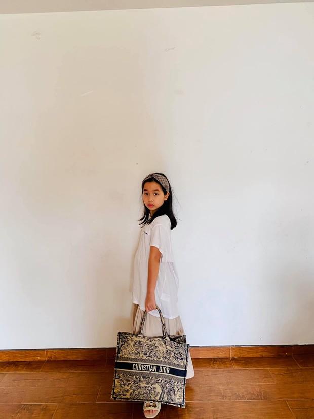 Con gái Lưu Hương Giang - Hồ Hoài Anh làm vlog tiện thể khoe trường quốc tế học phí nửa tỷ, trình nói tiếng Anh đỉnh, tiết lộ cả công việc mơ ước - Ảnh 4.