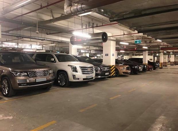 Choáng váng với dàn xe hơn 100 tỷ trong một hầm gửi xe ở Hà Nội - Ảnh 1.
