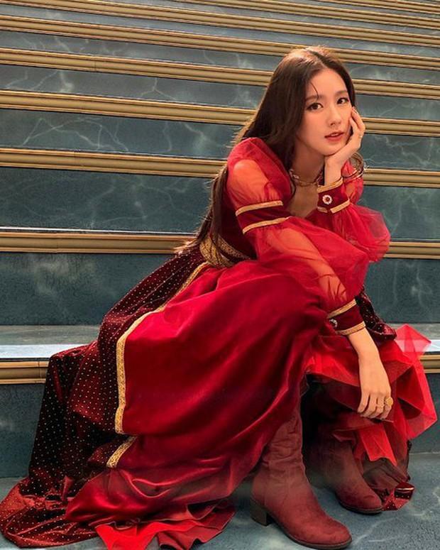 """Top nữ idol """"đậm"""" khí chất công chúa nhất Kpop: Rosé và thành viên hụt BLACKPINK đẹp hiếm có, Joy là Bạch Tuyết """"chuyển thể"""" - Ảnh 4."""