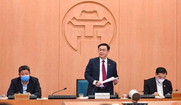 Hà Nội có nguy cơ cao, đẩy lên báo động đỏ: Xét nghiệm người từ ổ dịch tại Quảng Ninh, Hải Dương về từ ngày 14/1 - Ảnh 2.