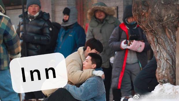 Bị đồn dẫn bạn gái lên phim trường đam mỹ, em trai Phạm Băng Băng lập tức đáp trả trấn an fan - Ảnh 11.