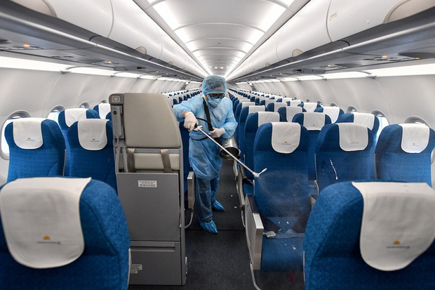Vietnam Airlines sẽ không phục vụ suất ăn trên chuyến bay từ Hải Phòng, dừng toàn bộ chuyến bay tại Vân Đồn - Ảnh 1.