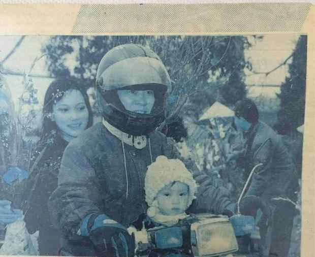 Cô bạn khoe mẹ hồi trẻ là hoa khôi, đi sắm đào Tết thôi mà cũng được chụp cho lên báo - Ảnh 4.