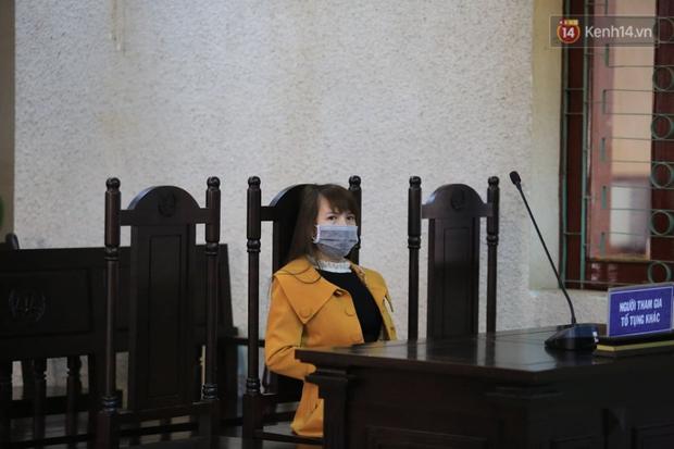Xét xử phúc thẩm mẹ nữ sinh giao gà: Bị cáo Hiền bật khóc kêu oan - Ảnh 9.