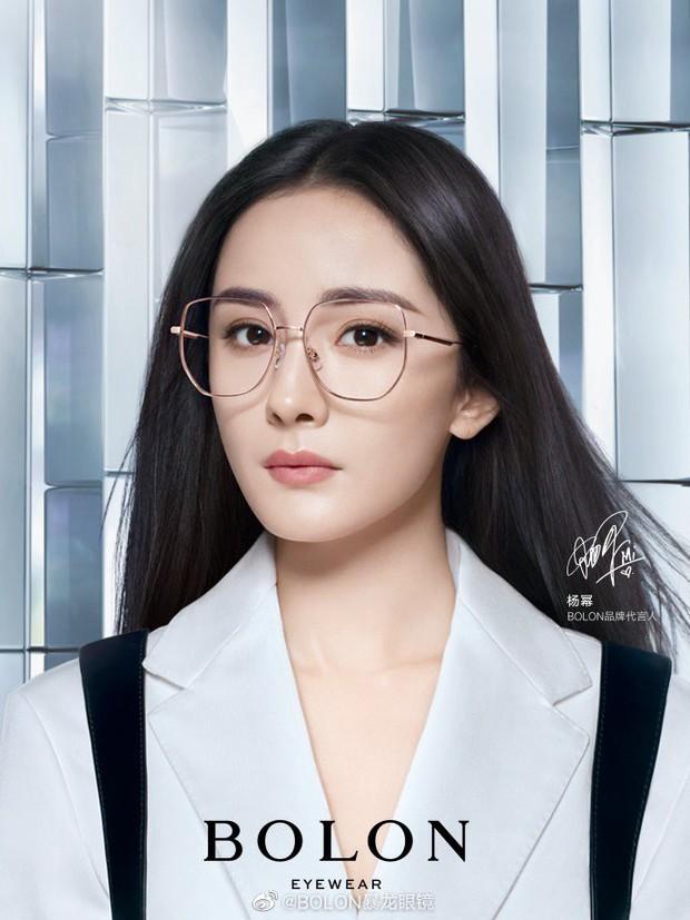 """Biết Dương Mịch nổi tiếng nhưng vẫn phải choáng vì khả năng """"thầu"""" trọn các thương hiệu, đại diện từ thời trang đến mỹ phẩm - Ảnh 9."""