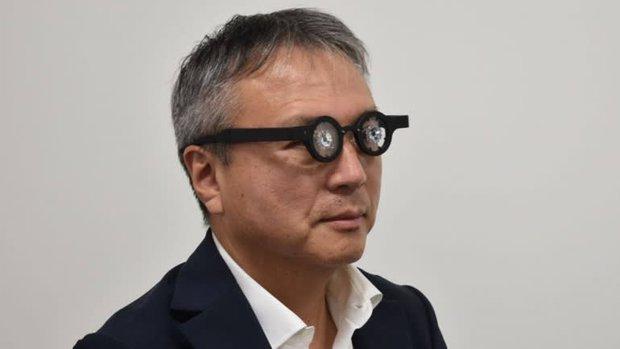 Góc sáng mắt: Nhật Bản ra mắt kính thông minh, càng đeo càng giảm độ cận thị - Ảnh 1.