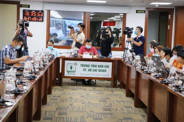 Sở Y tế TP.HCM thông tin về 7 F1 của BN1553: Tham gia hội nghị tại khách sạn Mường Thanh, xác định được 46 F2 - Ảnh 1.