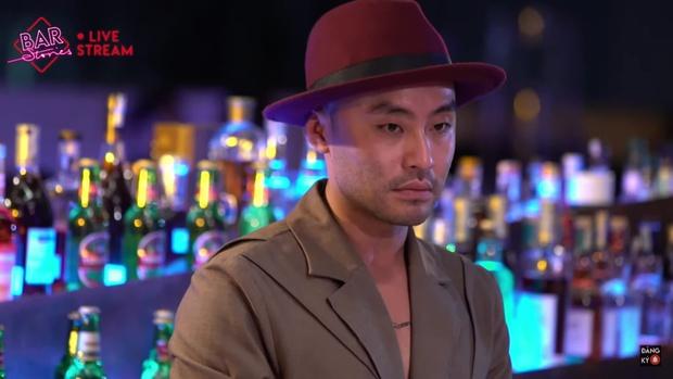 VJ Dustin Phúc Nguyễn hé lộ món nợ 2,5 tỷ đồng khiến Karik - Phan Mạnh Quỳnh ngỡ ngàng - Ảnh 1.