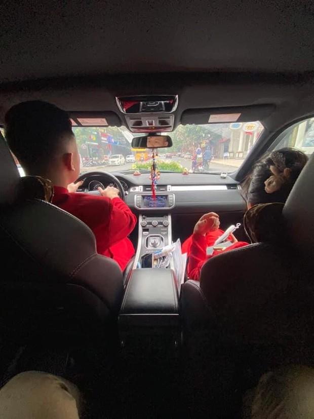 Câu chuyện nhà trai không được vào Quảng Ninh đón dâu vì Covid-19: Hai gia đình đã gặp gỡ, trao lễ ngay tại... trạm BOT - Ảnh 4.