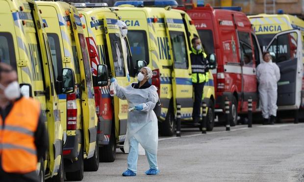 Châu Âu chìm trong cơn ác mộng với biến thể SARS-CoV-2 mới - Ảnh 1.