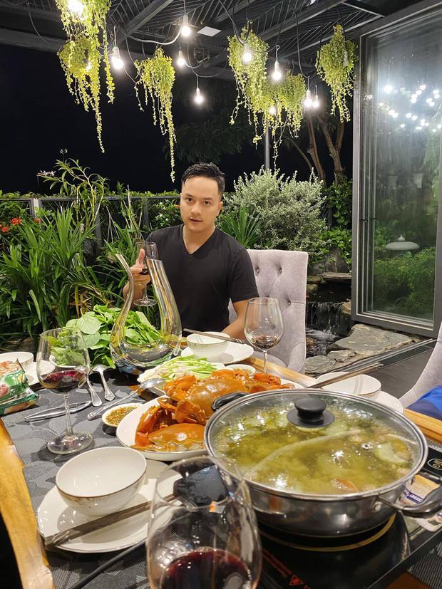 Cận cảnh biệt thự triệu đô của Cao Thái Sơn: Góc nào cũng toát lên mùi chanh sả, ban công có view cực ăn tiền - Ảnh 16.