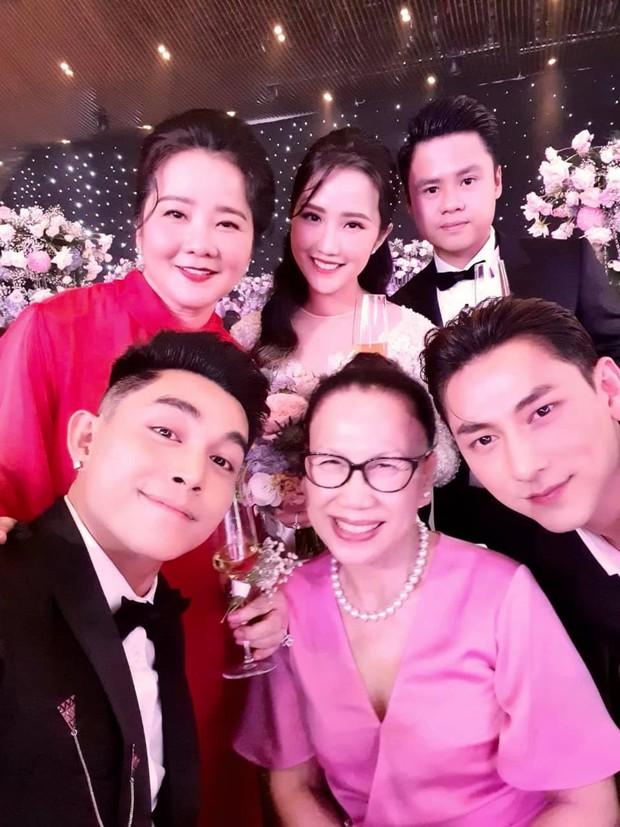 Dàn sao Việt đổ bộ hôn lễ Phan Thành: 365 hội tụ, HH Khánh Vân thành người khổng lồ, vợ chồng Cường Đô La toả ra mùi tiền - Ảnh 2.