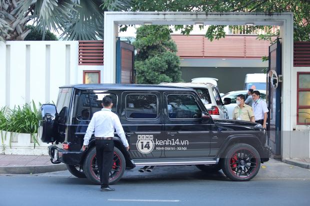 Rolls-Royce, McLaren, Maybach và dàn siêu xe của Phan Thành đồng loạt dán chữ hỷ chuẩn bị rước dâu - Ảnh 9.