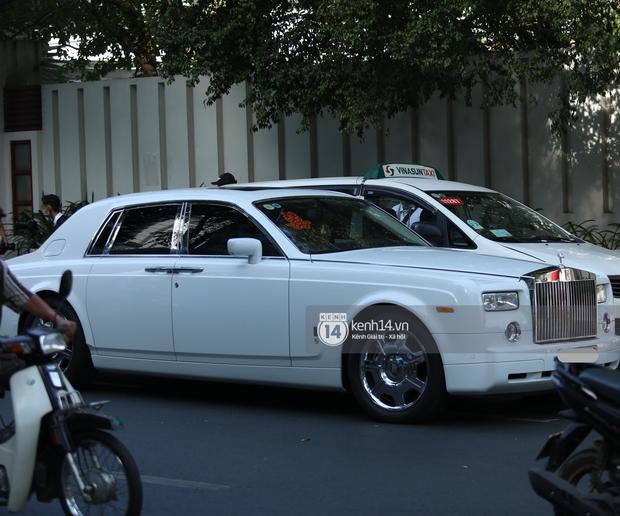 Cận cảnh Rolls-Royce, McLaren, Maybach góp mặt trong dàn siêu xe trăm tỷ hộ tống Phan Thành đưa nàng về dinh - Ảnh 5.