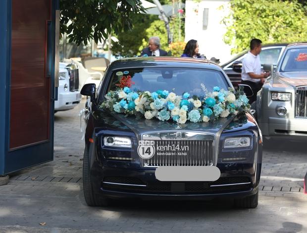 Cận cảnh Rolls-Royce, McLaren, Maybach góp mặt trong dàn siêu xe trăm tỷ hộ tống Phan Thành đưa nàng về dinh - Ảnh 2.