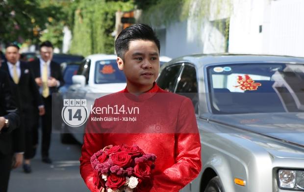Loạt ảnh Phan Thành diện áo dài đỏ chót, outfit rước dâu bảnh quá trời - Ảnh 1.