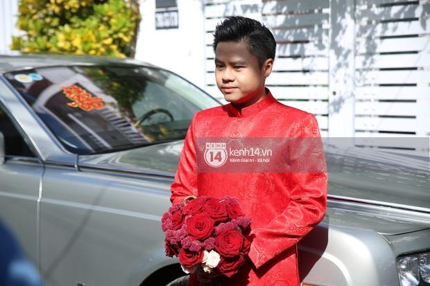 Loạt ảnh Phan Thành diện áo dài đỏ chót, outfit rước dâu bảnh quá trời - Ảnh 2.