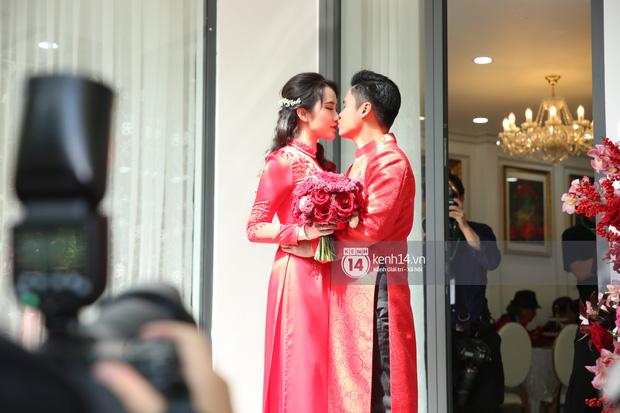 Clip: Cận cảnh cả trăm tỷ chạy trên đường, đưa Phan Thành đến nhà Primmy Trương xin dâu! - Ảnh 1.