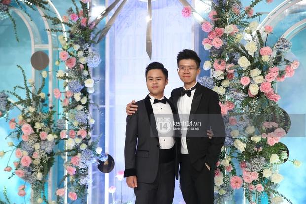 Siêu tiệc cưới của Phan Thành - Primmy Trương: Không gian lung linh như cổ tích, màn nâng ly của 2 đại gia tộc gây sốt - Ảnh 8.