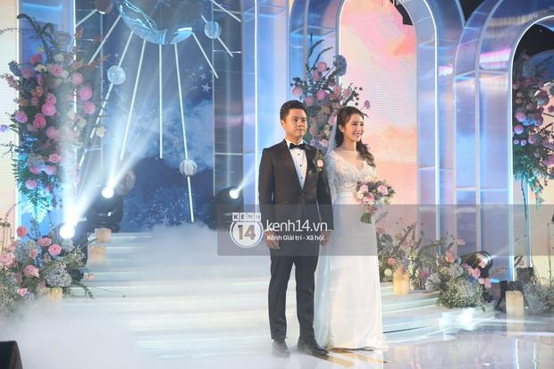 Siêu tiệc cưới của Phan Thành - Primmy Trương: Không gian lung linh như cổ tích, màn nâng ly của 2 đại gia tộc gây sốt - Ảnh 30.