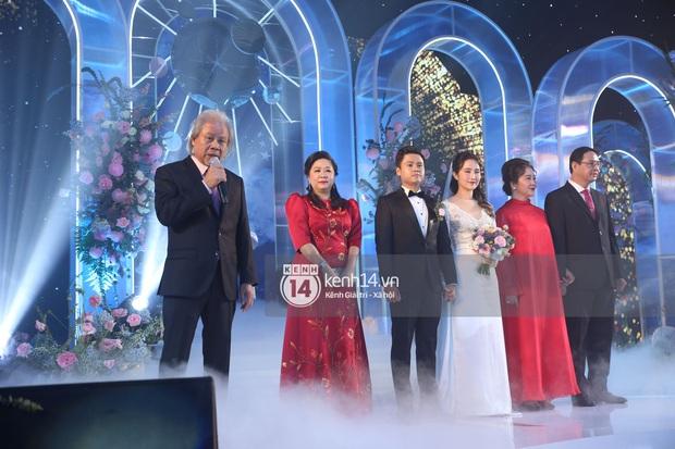 Siêu tiệc cưới của Phan Thành - Primmy Trương: Không gian lung linh như cổ tích, màn nâng ly của 2 đại gia tộc gây sốt - Ảnh 29.
