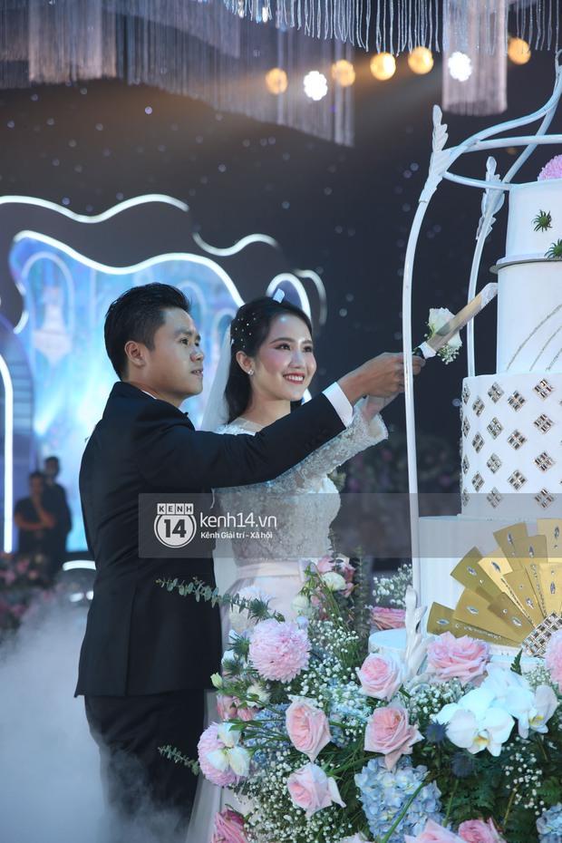 Siêu tiệc cưới của Phan Thành - Primmy Trương: Không gian lung linh như cổ tích, màn nâng ly của 2 đại gia tộc gây sốt - Ảnh 25.