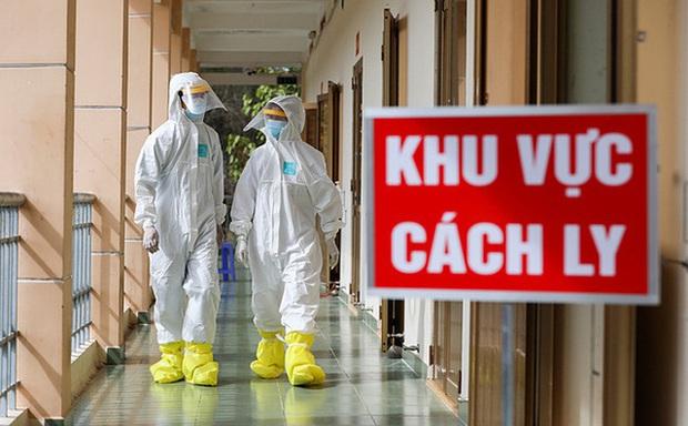 NÓNG: Phát hiện ca nhiễm Covid-19 mới trong cộng đồng, TP.HCM đang họp khẩn - Ảnh 1.