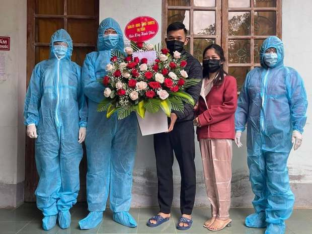 Trở về từ Quảng Ninh, cặp đôi quyết định hoãn đám cưới để cách ly - Ảnh 3.