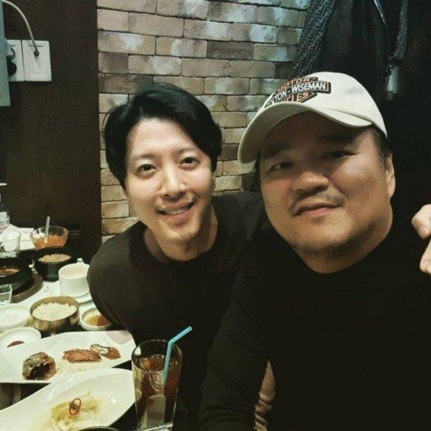 Lee Dong Gun lần đầu xuất hiện sau 8 tháng ly hôn, tuột dốc nhan sắc đến mức khiến công chúng sốc nặng - Ảnh 2.
