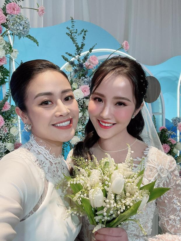 Dàn sao Việt đổ bộ hôn lễ Phan Thành: 365 hội tụ, HH Khánh Vân thành người khổng lồ, vợ chồng Cường Đô La toả ra mùi tiền - Ảnh 6.