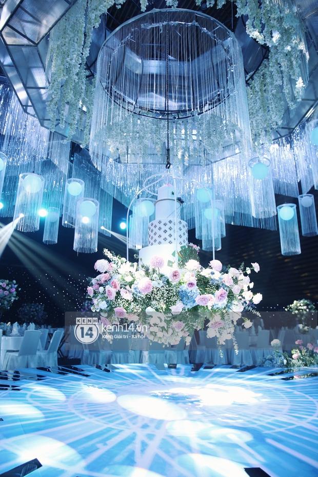 Siêu tiệc cưới của Phan Thành - Primmy Trương: Không gian lung linh như cổ tích, màn nâng ly của 2 đại gia tộc gây sốt - Ảnh 3.