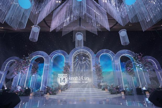 Cận cảnh không gian tiệc cưới sang chảnh hơn 20 tỷ đồng của Tổng giám đốc Phan Thành - Ảnh 5.