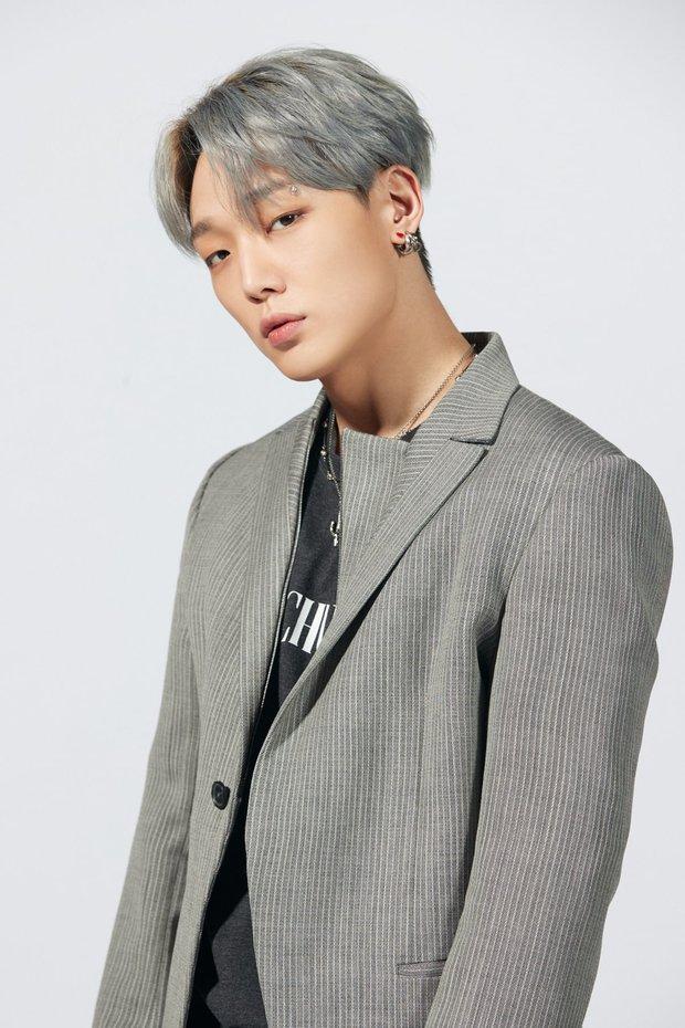 Idol nhà YG tạo nét gây sốc với album vẽ vời nhăng quậy: Netizen chê tốn tiền còn fan vẫn bênh chằm chặp! - Ảnh 6.