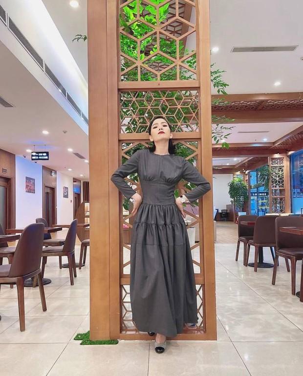 Lệ Quyên nên trung thành với phong cách sexy chứ đừng gắn bó với kiểu váy hỏi chấm thế này! - Ảnh 2.
