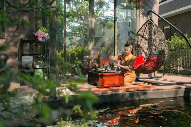 Bên trong căn biệt thự 220m2 của Nhật Kim Anh: Góc nào cũng toát lên sự giàu có, vườn cây ao cá đều đủ cả - Ảnh 5.