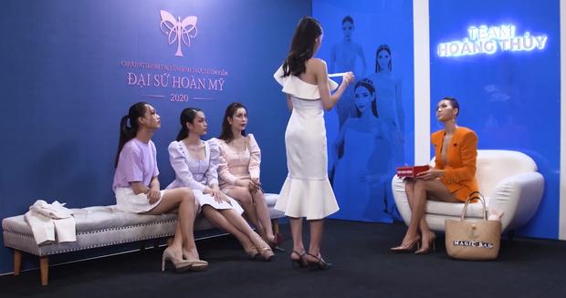 Team Hoàng Thùy gây choáng khi thi ứng xử tiếng Anh: 3/4 không hiểu câu hỏi, phải trả lời bằng tiếng mẹ đẻ - Ảnh 5.