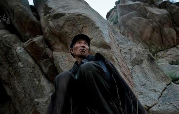 Nghề vớt xác trên sông kỳ bí bậc nhất Trung Quốc: Những điều cấm kỵ và công việc chạy giữa 2 bờ sinh - tử mà không phải ai cũng thấu hiểu - Ảnh 2.