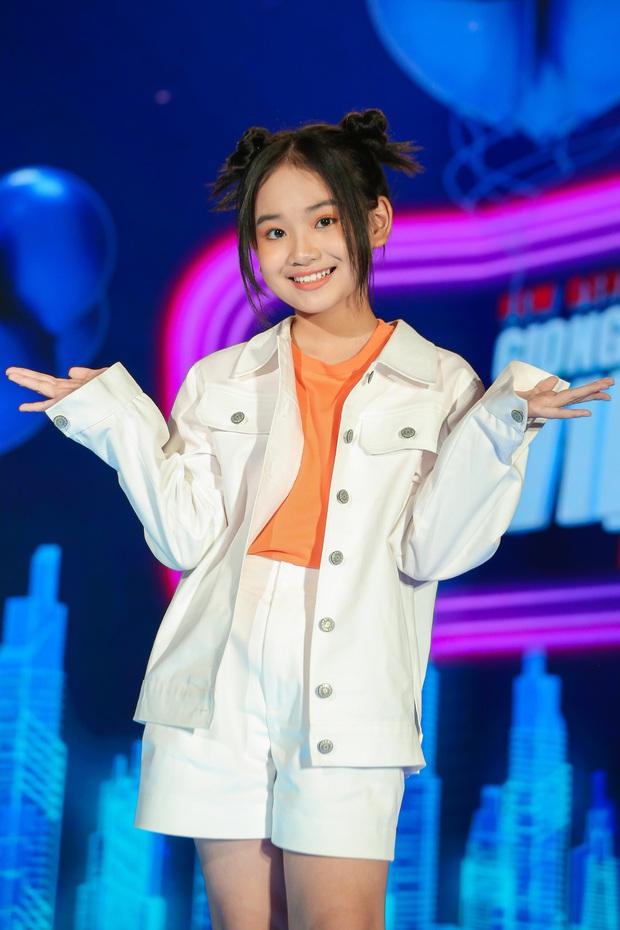 Emily phải xin lỗi Lưu Hương Giang vì lỡ gây mất lòng trong tập 1 Giọng Hát Việt Nhí 2021 - Ảnh 9.